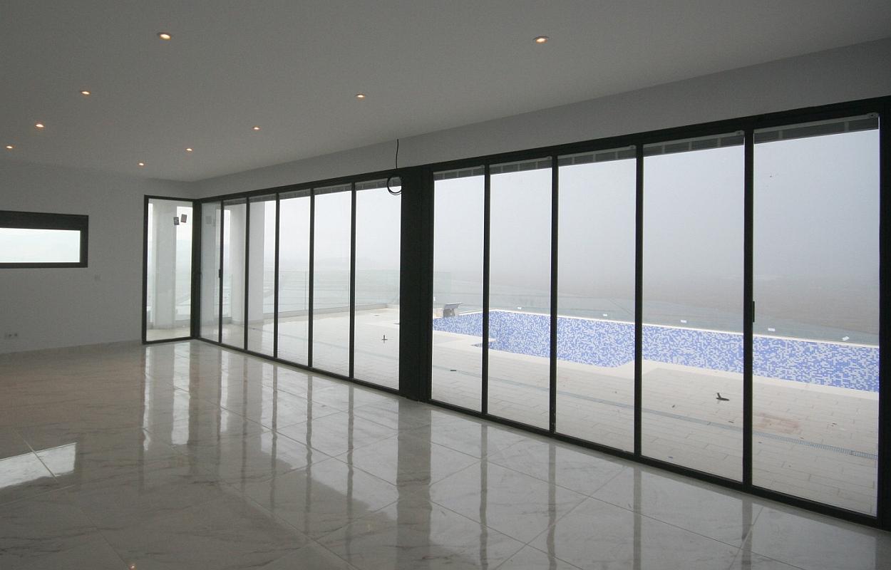 UltraSlim Doors to terrace and pool