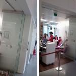 Frameless glass office partition doors